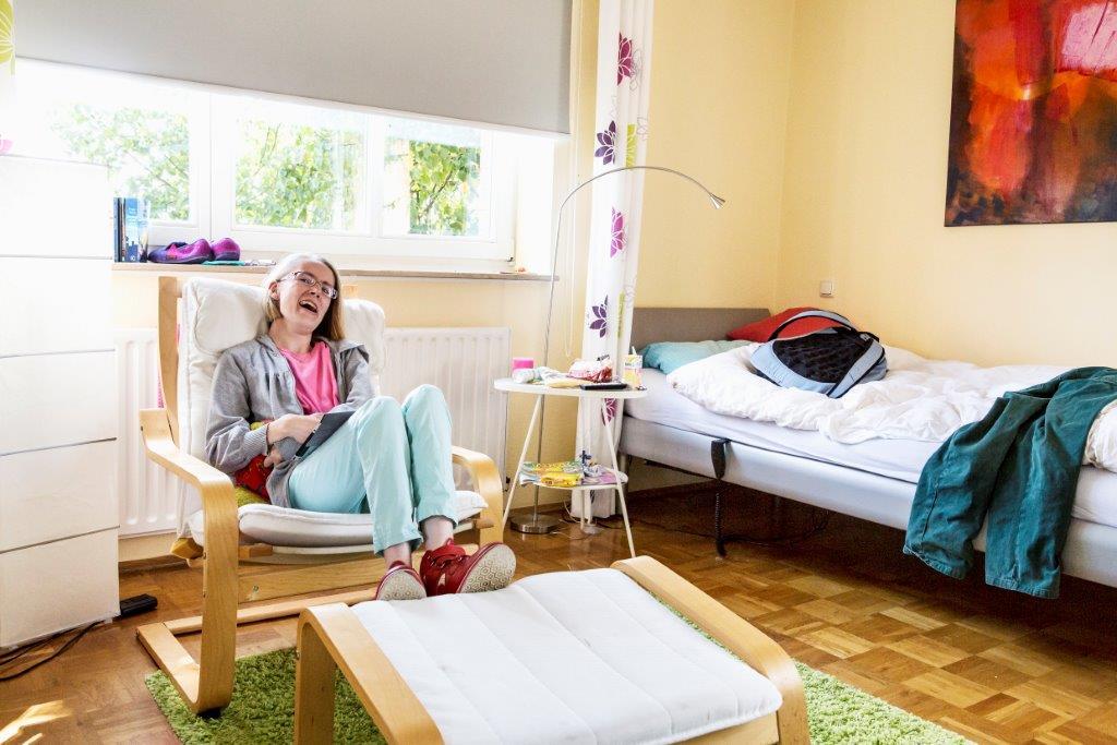 das dorf wohnen f r menschen mit behinderung wohnheim im dorf alltagsbetreuung. Black Bedroom Furniture Sets. Home Design Ideas